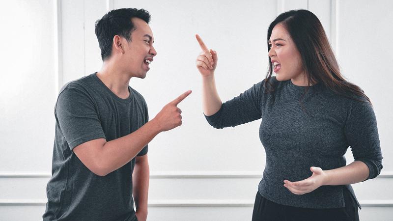 9 نکته مهم که در رفتار با همسر کنترل گر باید توجه کنید